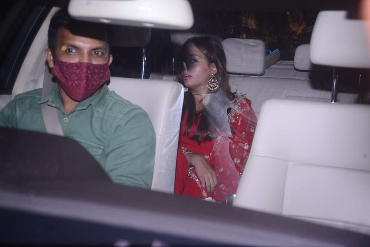 Unseen Pics: Natasha Dalal fasts on her first Karva Chauth for beau Varun Dhawan