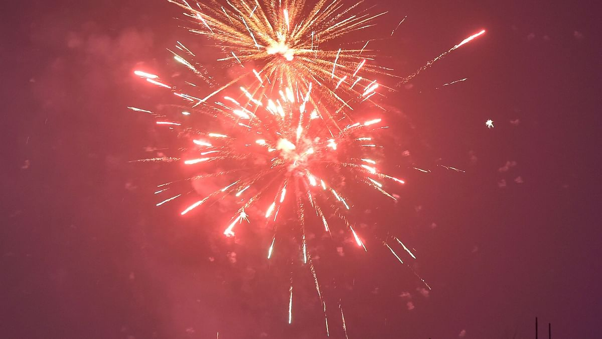 Diwali 2020: Ban defied, people burst firecrackers across India; AQI soars