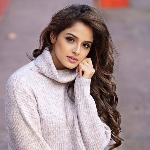Spill the tea with Asmita Sood: How is your favourite star in real life?