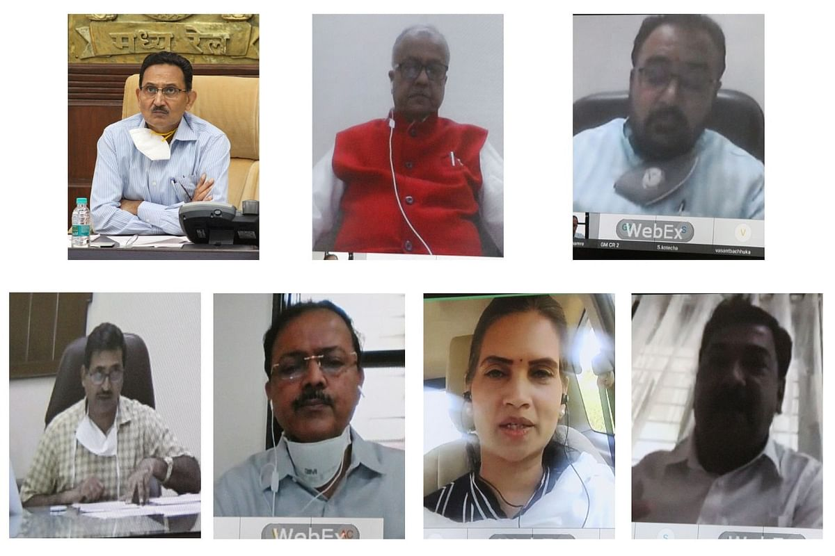 Sanjeev Mittal, General Manager, Central Railway meets Members of Parliament from Bhusaval Division through a webinar