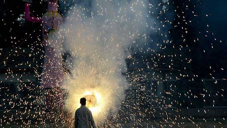 Manufacturers, sellers would have suffered loss worth Rs 25 cr, if  firecrackers were banned