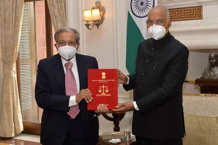 15th Finance Commission submits report to President
