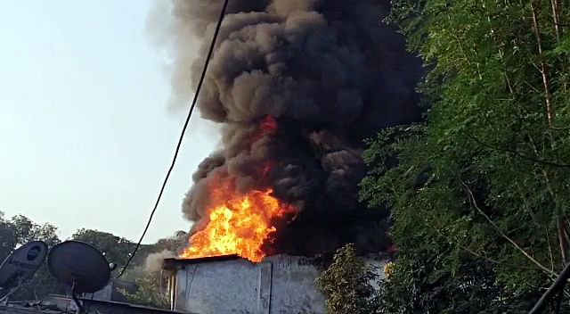 Thane: Powerloom factory gutted in fire in Bhiwandi