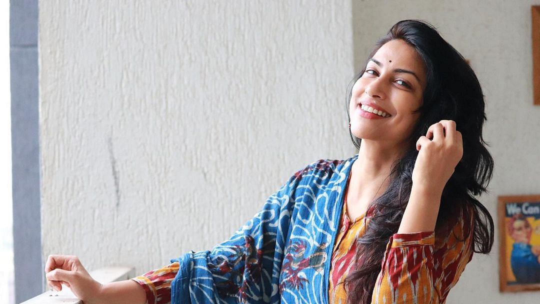 Who is Sameer Wankhede's wife? Meet actress Kranti Redkar who featured in 'Kombdi Palali' song