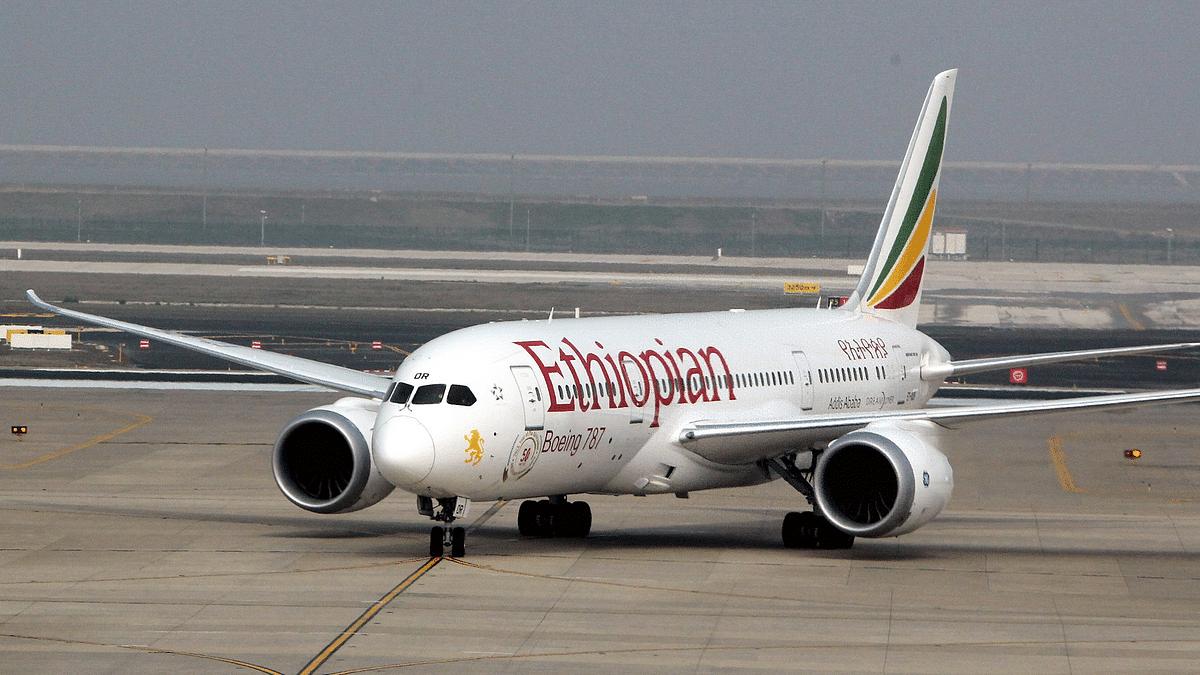 Ethiopian Airlines flight with hydraulic leakage makes emergency landing at Mumbai airport
