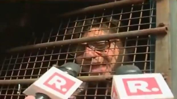 Arnab Goswami shifted to Taloja Jail after found using mobile phone at Alibaug quarantine Centre