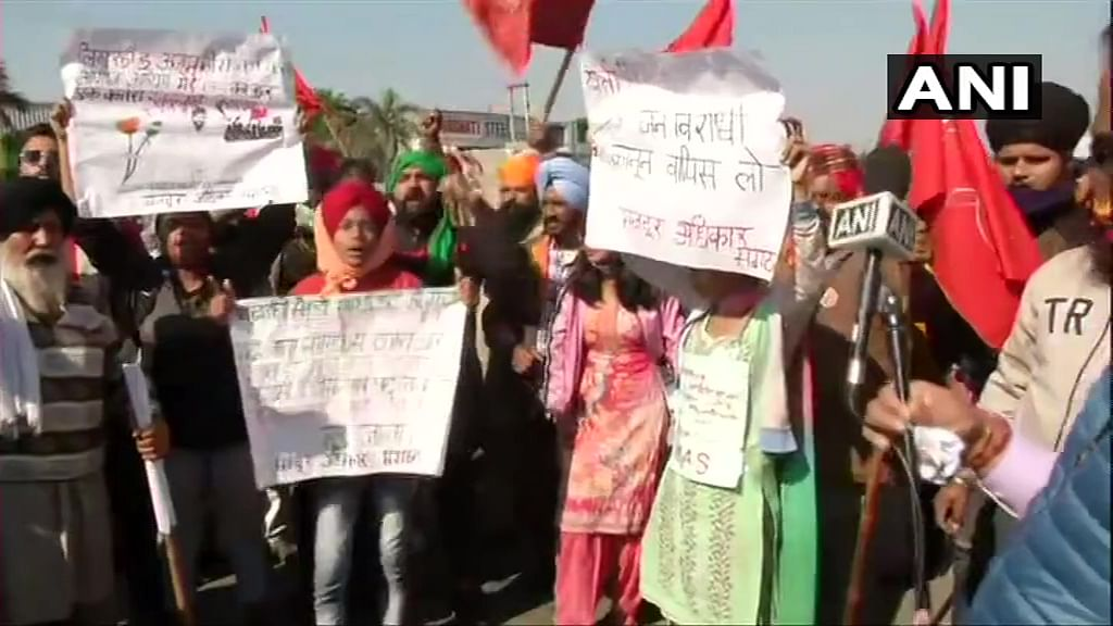 Agitating farmers allowed to enter Delhi; can protest at Nirankari Samagam Ground in Burari