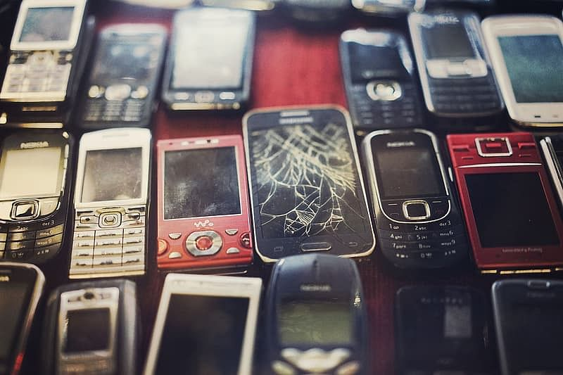 Indonesians use their old phones for a good cause