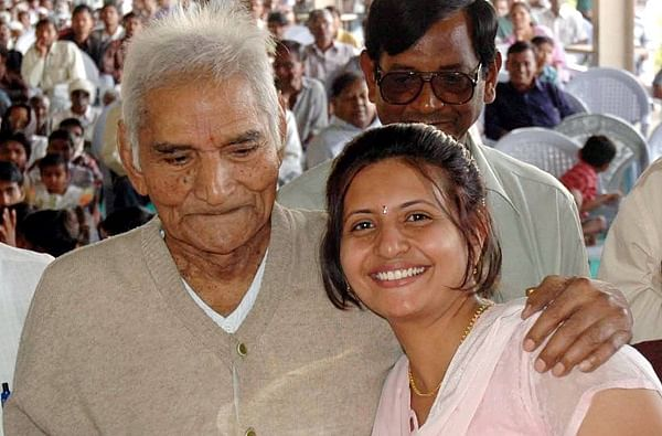 Shital Amte, social worker and granddaughter of Baba Amte commits suicide