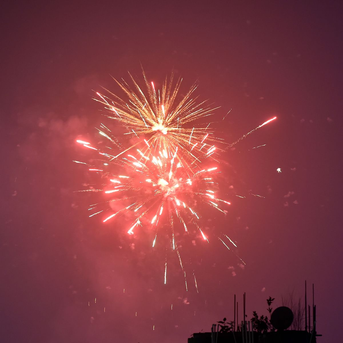 Delhi: People burst firecrackers, violate NGT ban; air quality dips to 'severe' category