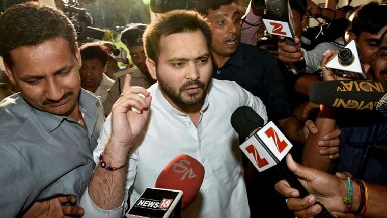 Exit polls predict advantage for Grand Alliance over NDA in Bihar