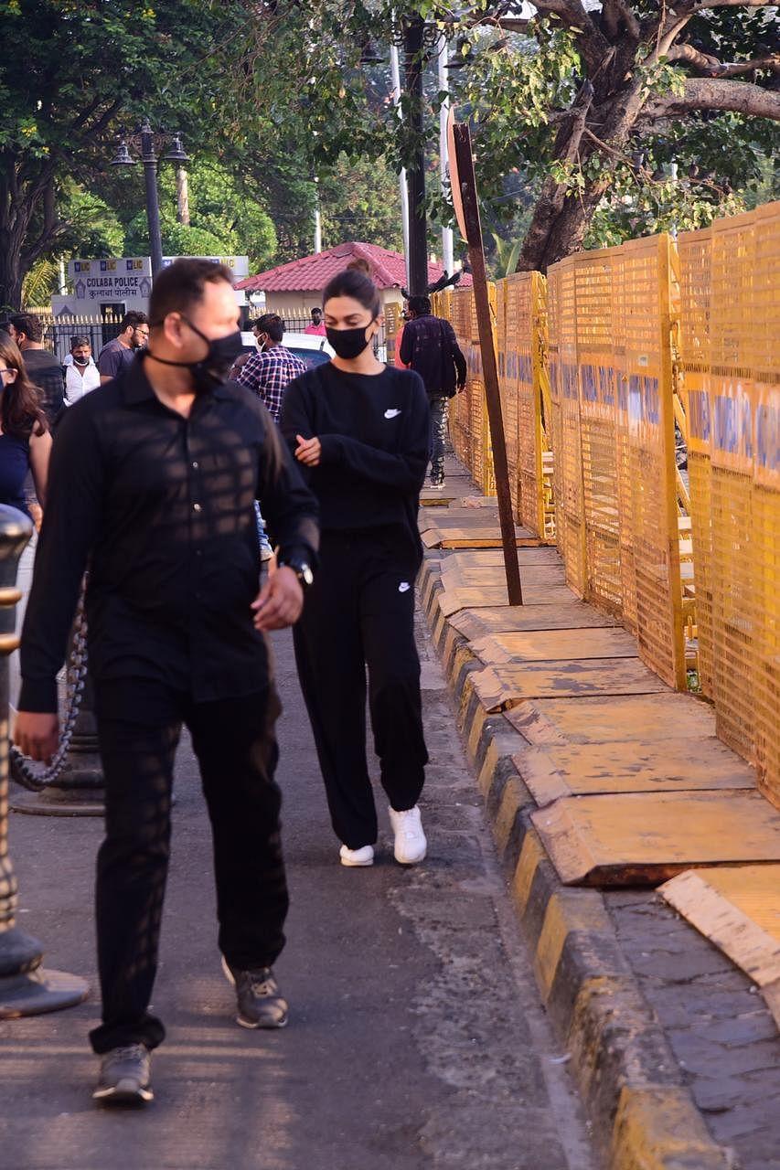 Deepika Padukone at gateway of India