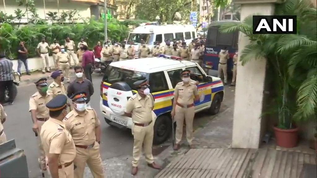 Palghar Lynching Case: On 'Jan Aakrosh Yatra' to demand justice for sadhus, BJP MLA Ram Kadam detained by Mumbai Police