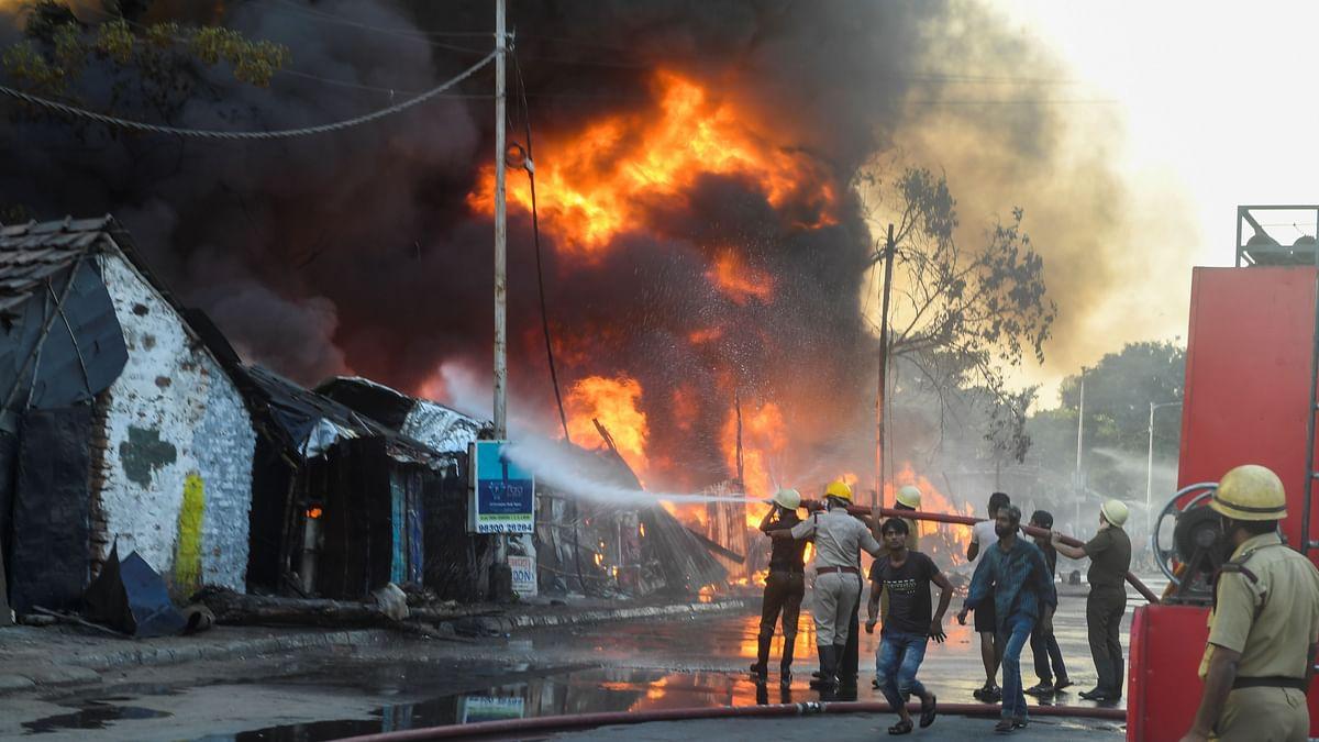 Kolkata slum fire: Fire breaks out in Topsia area, 60 shanties gutted