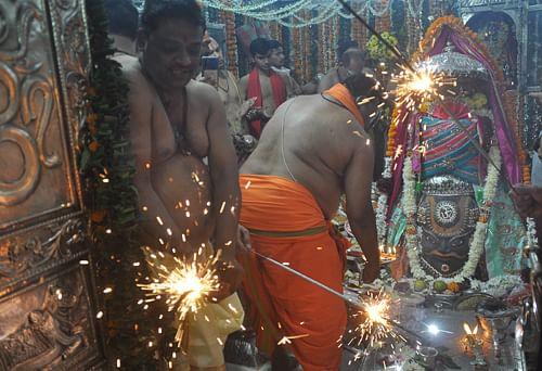 Ujjain: Deepawali celebrated at Mahakal temple with fervour