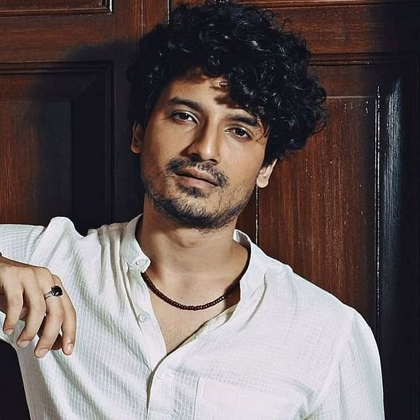 'Ye bhi theek hai': 'Mirzapur' actor Priyanshu Painyuli to have a mountain wedding