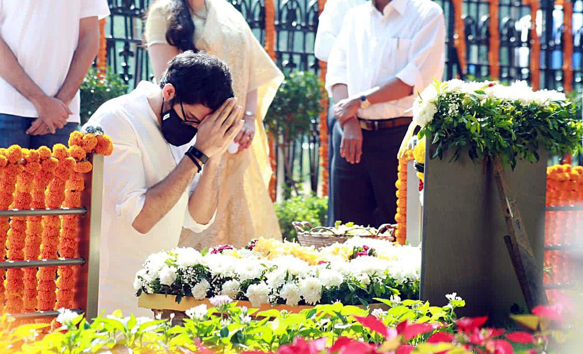 Maharashtra Minister Aaditya Thackeray pays tribute to his grandfather BalasahebThackeray at his Memorial on his death anniversary, at Shivaji Park in Mumbai on Tuesday.