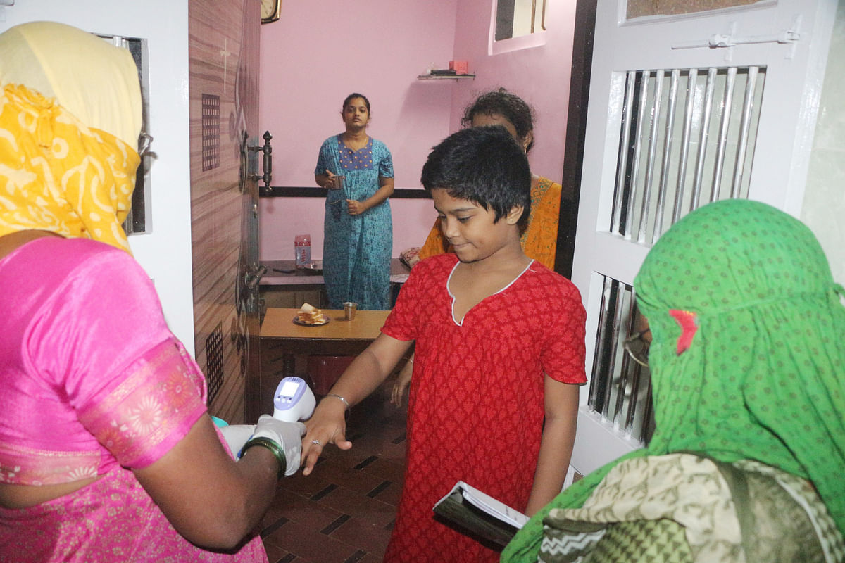 6 test COVID-19 positive in Dharavi; active cases below 100
