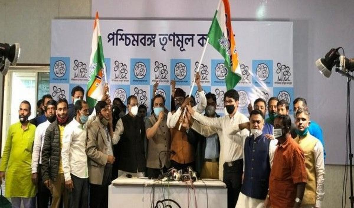 AIMIM's West Bengal unit leader Anwar Pasha along with several other party workers joined TMC