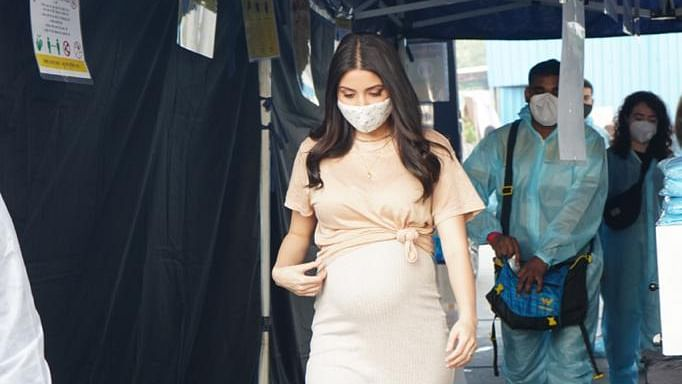 Anushka Sharma's pregnancy glow in this peach attire in unmissable - check out glimpse of her work schedule here