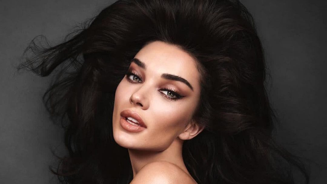 Amy Jackson's topless pic sets the internet on fire, actress says she's 'spicing lockdown up a lil bit'