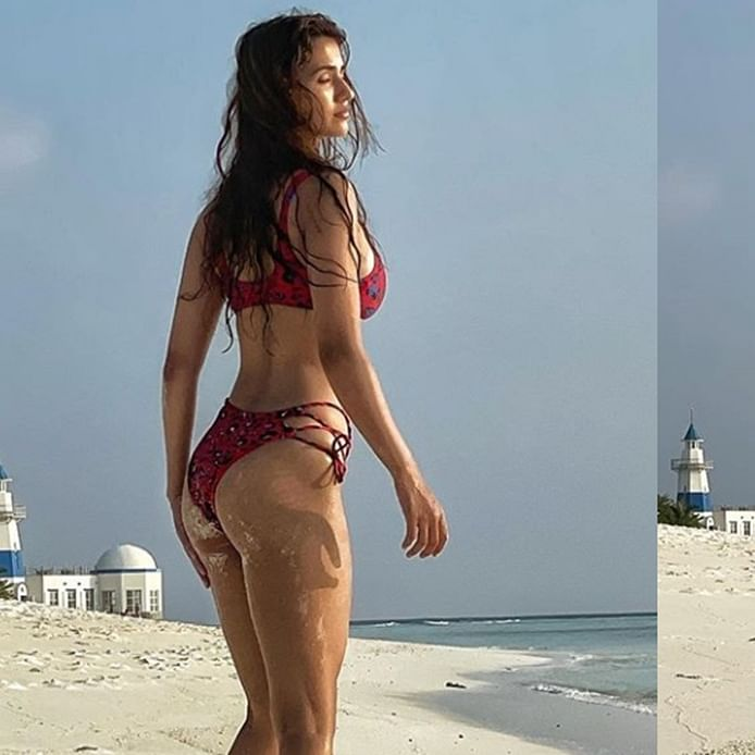 Disha Patani treats fans with sizzling bikini pics from her exotic vacay