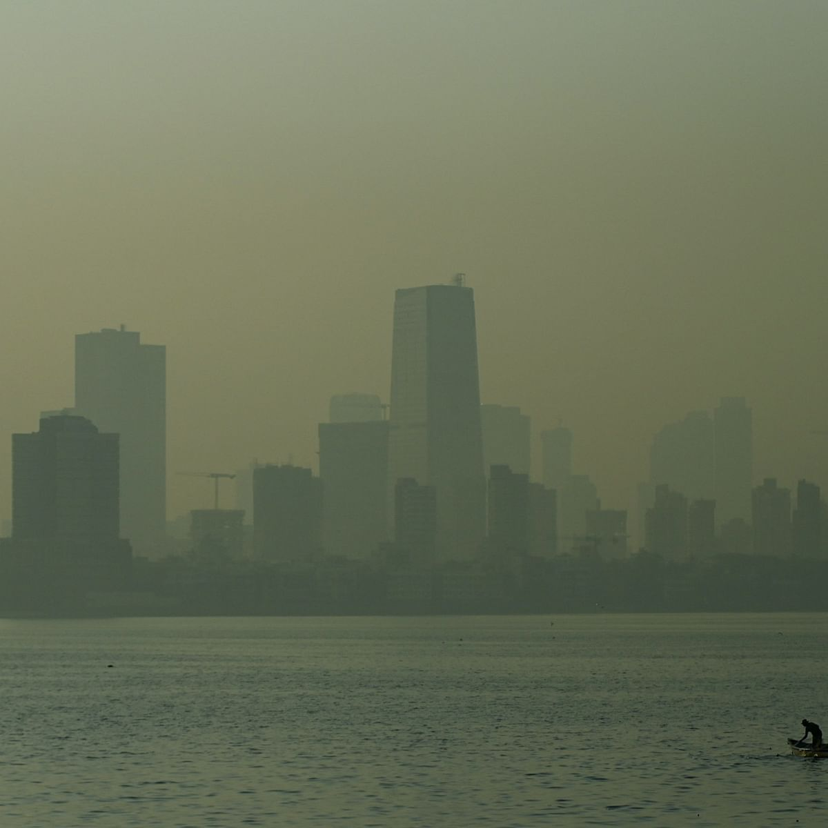 Mumbai weather update: With AQI at 293, city's air quality drops to 'poor' category