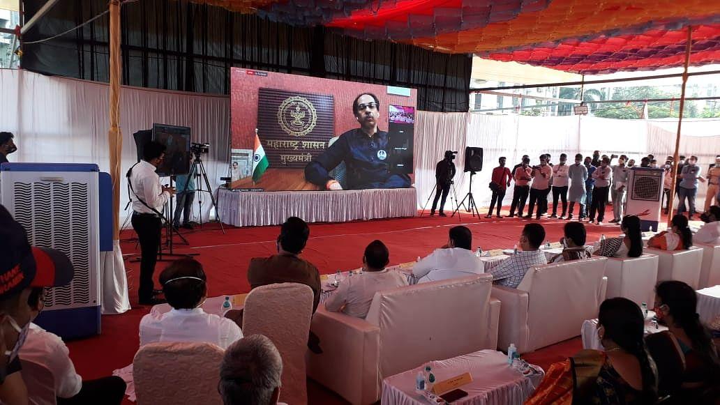 CM performs e-bhoomi pujan of Balasaheb Thackeray memorial