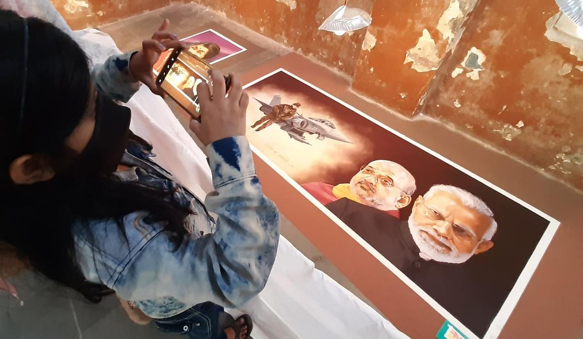 Thane: Portrait rangoli exhibition organised on the occasion of Diwali