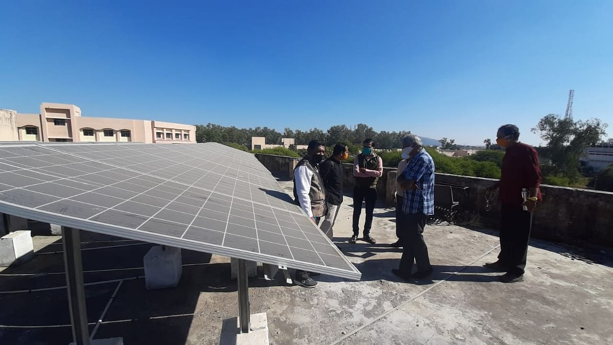 Indore: IET students to make solar energy equipment for incubation centre