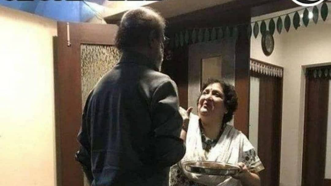 Rajinikanth discharged from the hospital, wife Latha welcomes Thalaiva with aarti