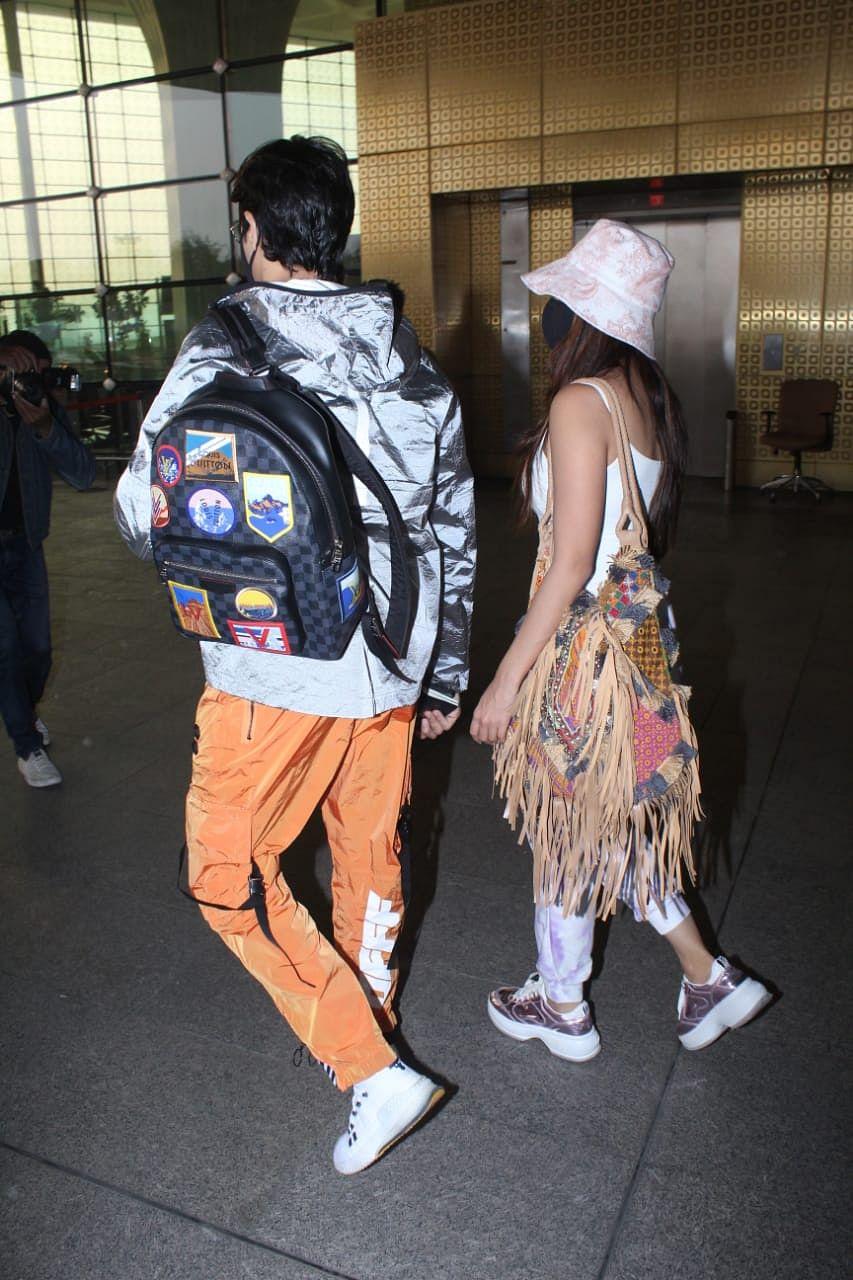 In Pics: Rumoured lovebirds Kiara Advani-Sidharth Malhotra jet-off to celebrate New Year 2021