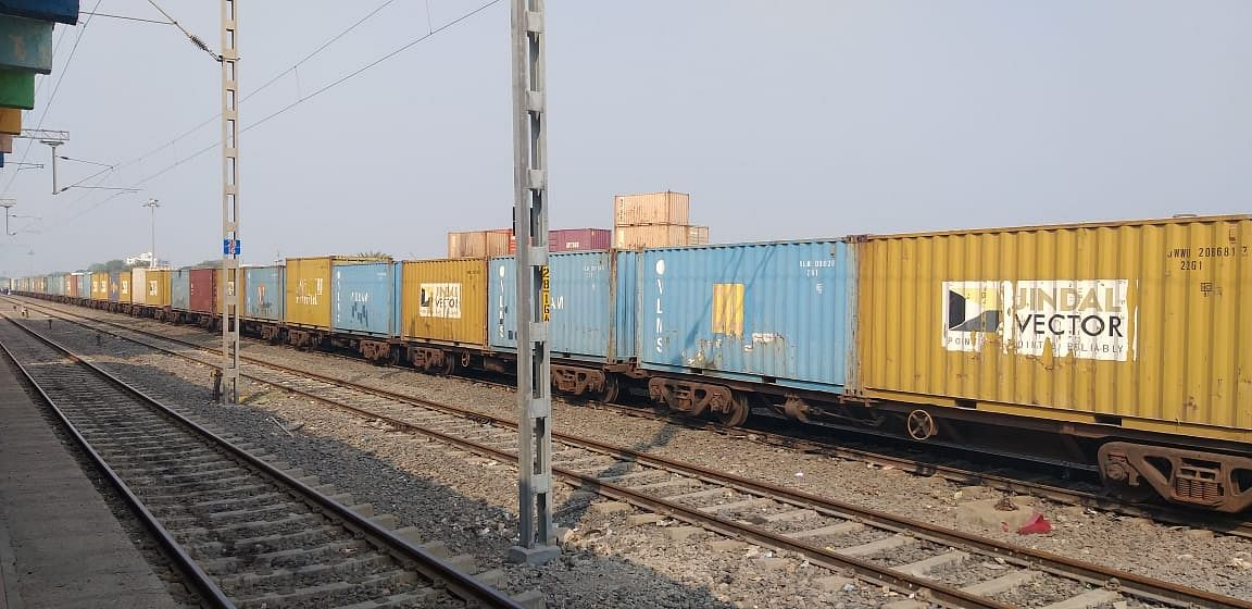 Western Railway transports 2000 tonnes of tiles from Gujarat To Karnataka
