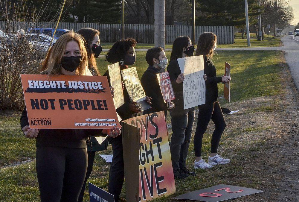 US executes Brandon Bernard; ignores Kim Kardashian's plea