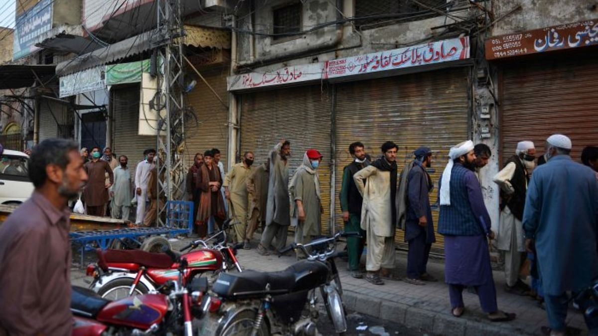 Pakistan: Oxygen shortage kills COVID-19 patients, hospital staff suspended