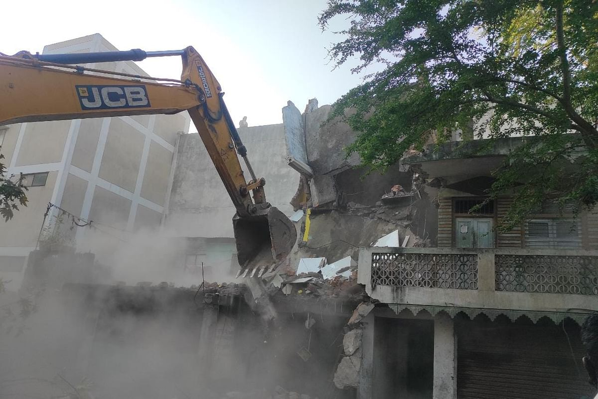 Madhya Pradesh: History-sheeter Yaqub's house, goon Jaat's illegal shops demolished in Indore, nearly 60 illegal structures razed in last one month
