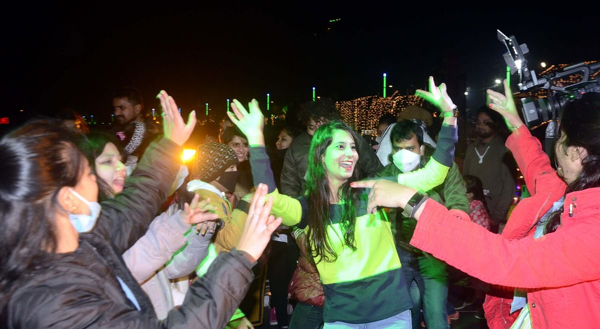 Bhopal: Chilliness gingers up New Year toast