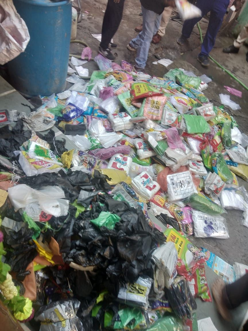 Indore: 500 kg banned plastic bags seized, Rs 25000 levied