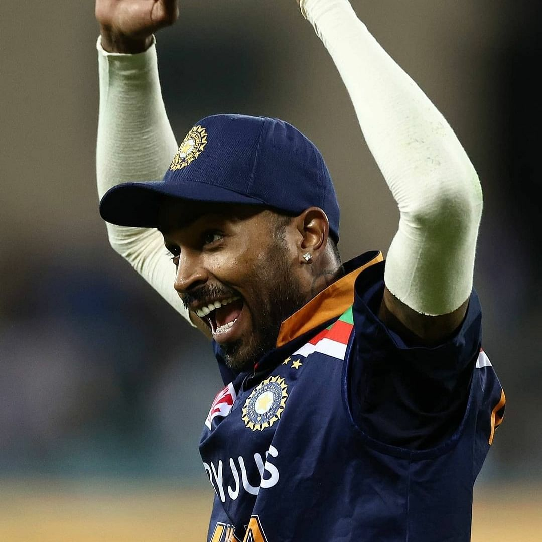 Hardik Pandya will be crucial part of Test squad if he starts bowling, says Virender Sehwag