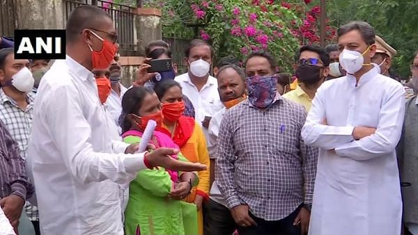Pune: SARTHI employees stage protest against Maha govt's decision to close Taradoot project