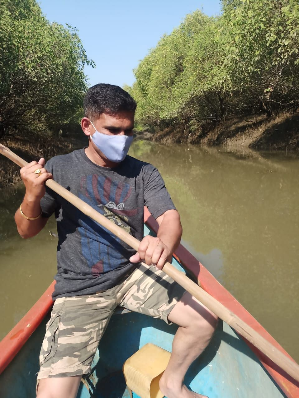 Mira Bhayandar: Cops paddle their way to bust illegal hooch brewing den amidst dense thickets of mangroves