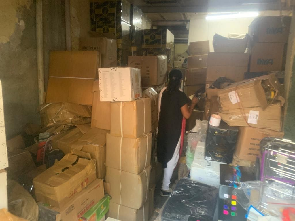 Mumbai: 3.5 tons of banned tobacco hookah worth Rs 80 lakh seized in Goregaon