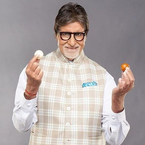 Why Amitabh Bachchan numbers his tweets? Watch video