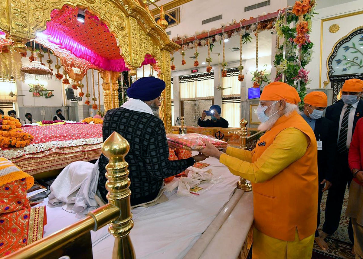 Prime Minister Narendra Modi visits Gurudwara Rakab Ganj Sahib in New Delhi on Sunday.