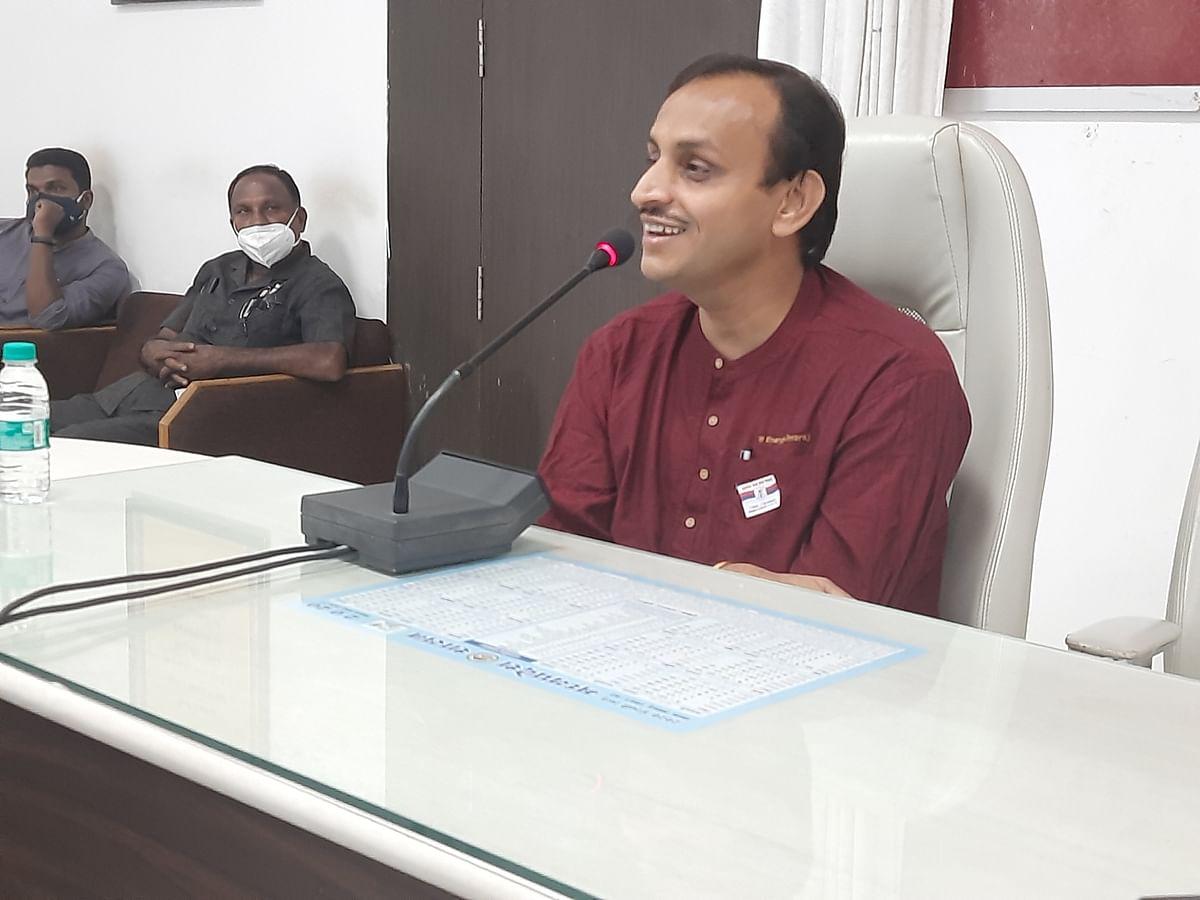 'Solar Man' Prof Chetan Singh Solanki interacting with media persons at Brahaspati Bhavan, in Ujjain on Monday