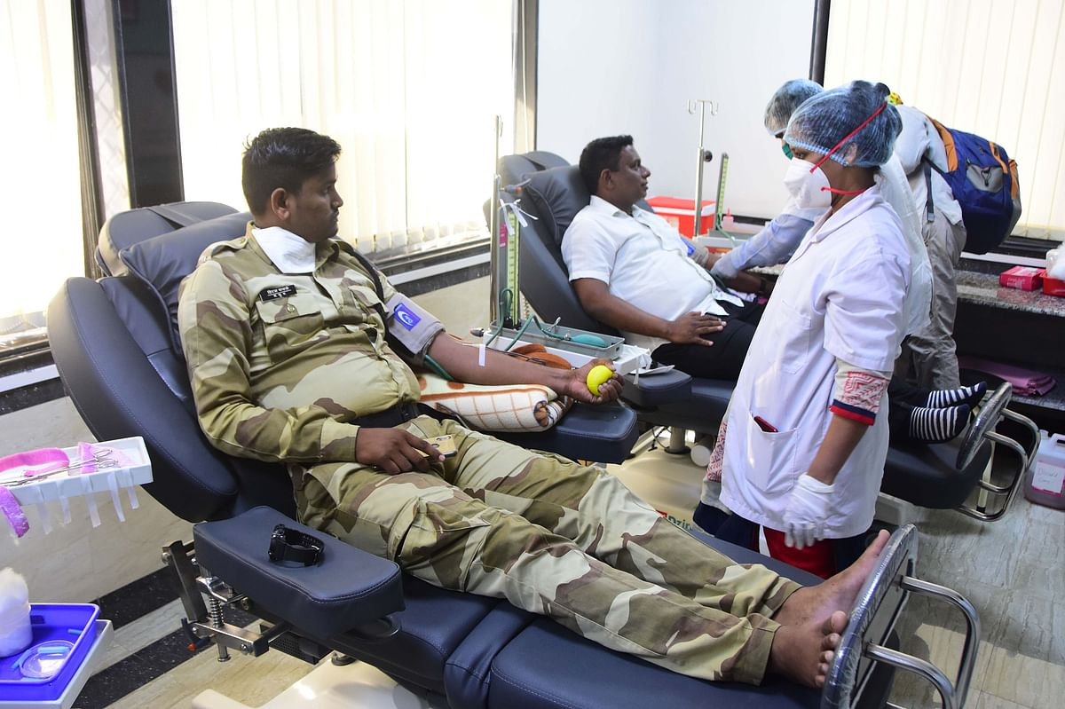 Public Health Minister Rajesh Tope urges citizens to donate blood as stock is restricted to 6 days