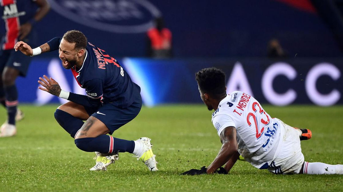 Neymar suffered an ankle injury during the match on Sunday when PSG lost at home to Lyon