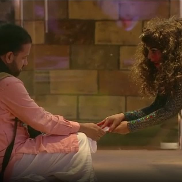Bigg Boss 14: 'Possessed' Rakhi Sawant tears off Rahul Mahajan's dhoti