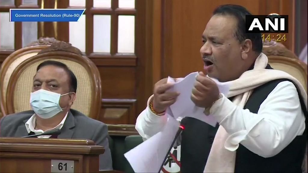 'I refuse to accept these black laws...': AAP's Mahendra Goyal tears copy of Farm Laws during Delhi Assembly session