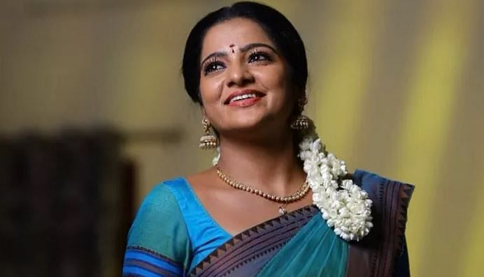 Tamil TV actress VJ Chitra of Pandian Stores fame found dead at Chennai hotel, suicide suspected